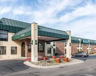 Quality Inn Suites Shelbyville I 74