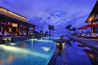 Narada Resort Spa Perfume Bay