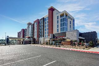 Embassy Suites By Hilton Jonesboro Red Wolf Conven