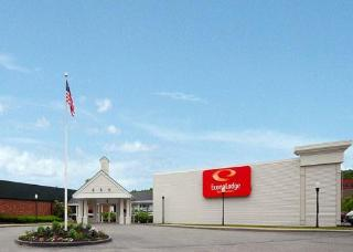 Econo Lodge Inn and Suites -
