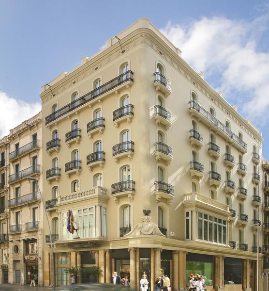Midmost Barcelona - Plaza Catalunya