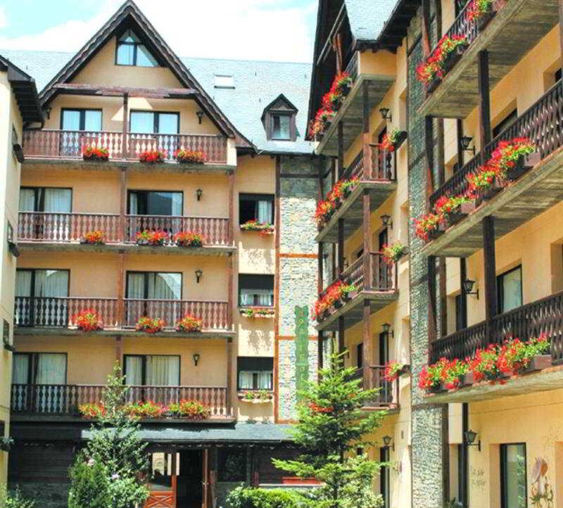 Suite Aparthotel & SPA Eth Refugi D'aran - Vielha