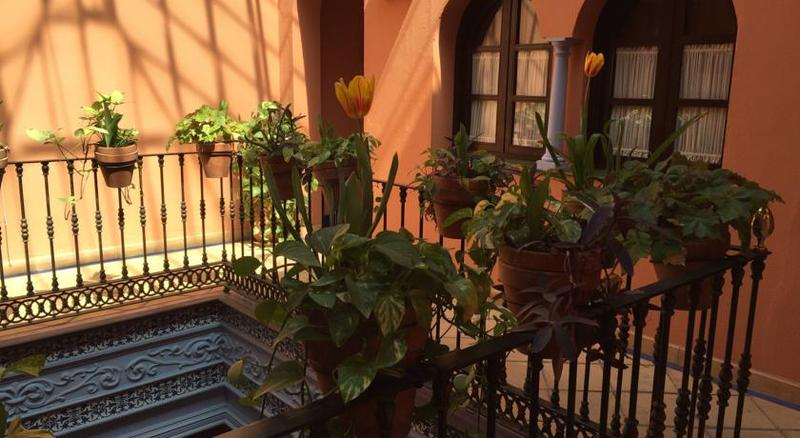 Patio De La Alameda - Sevilla
