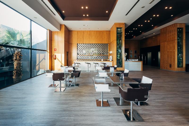 B b hotel valencia aeropuerto con traventia for Hotel oceanografic ninos