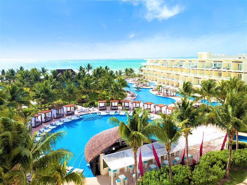 Azul Beach Resort Riviera Cancun , By Karisma