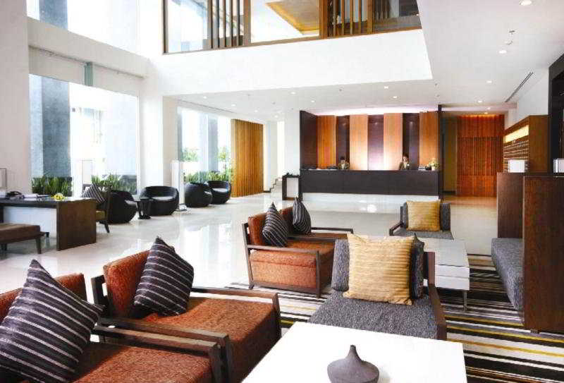 Foto del Hotel Kantary Hotel and Serviced Apartments, Ayutthaya del viaje tailandia mujeres jirafa