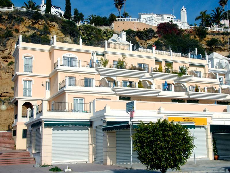 Apartamentos Hc Burriana Playa - Nerja