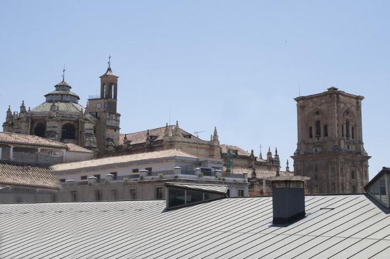 Plaza Apartamentos Turisticos - Granada