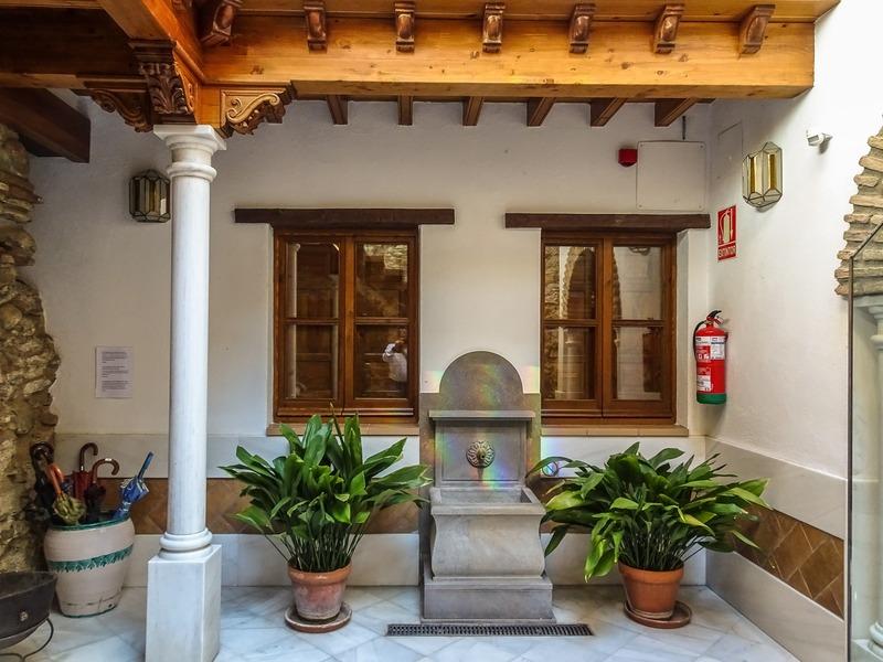 Alhambra Apartamentos Turisticos - Granada