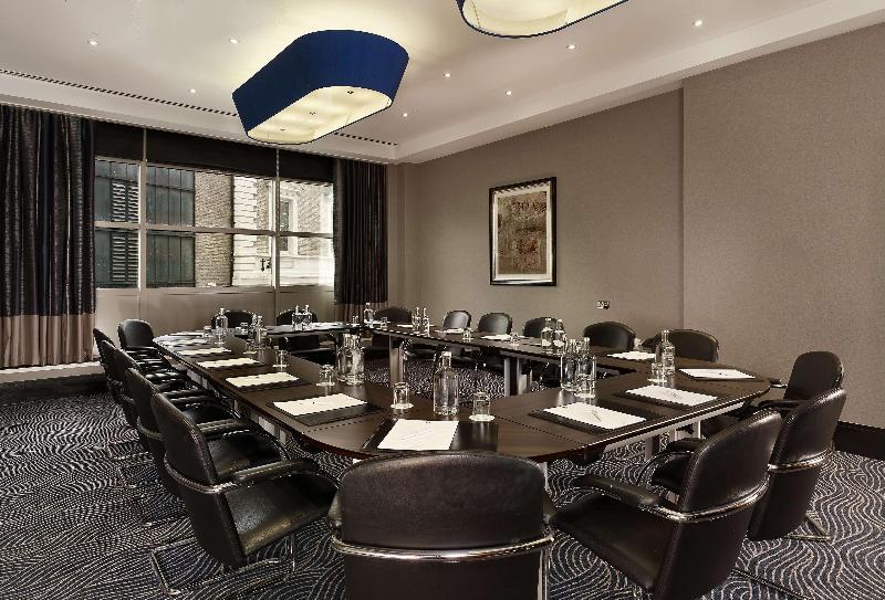 Doubletree by Hilton London Victoria