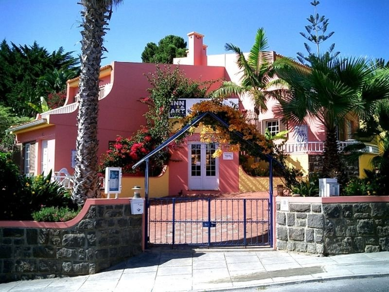 Inn & Art Falesia Apartments - Canico