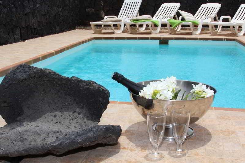 Villas Los Claveles - Playa Blanca