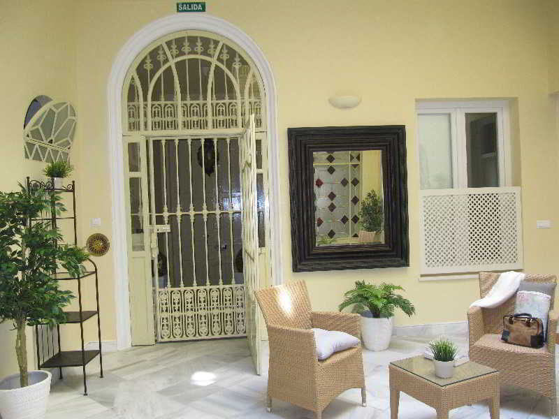 Life Apartments San Vicente - Sevilla