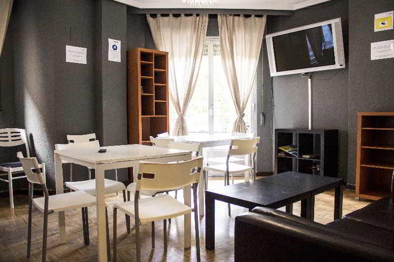 Alda Centro Salamanca Hostel - Salamanca