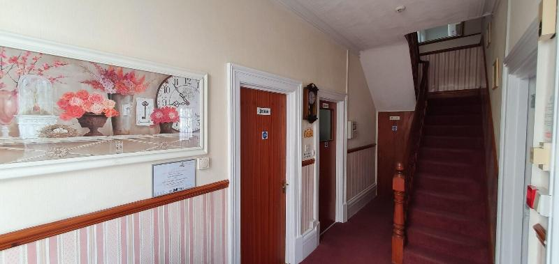 Holly Lodge Guest House