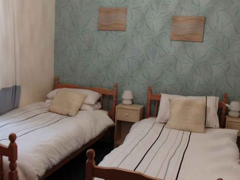 Oakwell Guest House