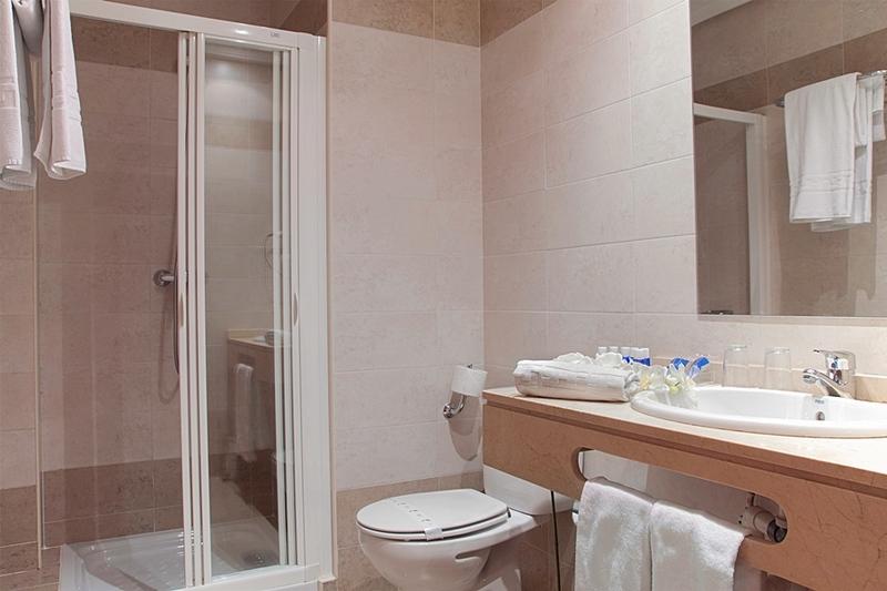 Hotel Infantas De Leon - Leon