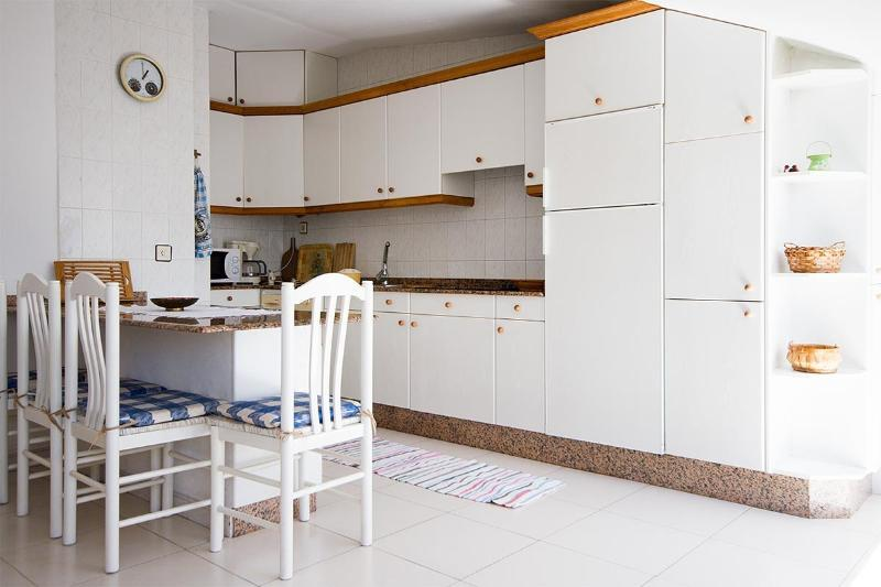 Apartment in Corcubion, A Coruna 102099