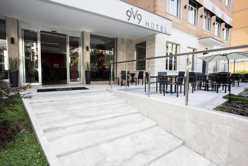 9V9 Hotel