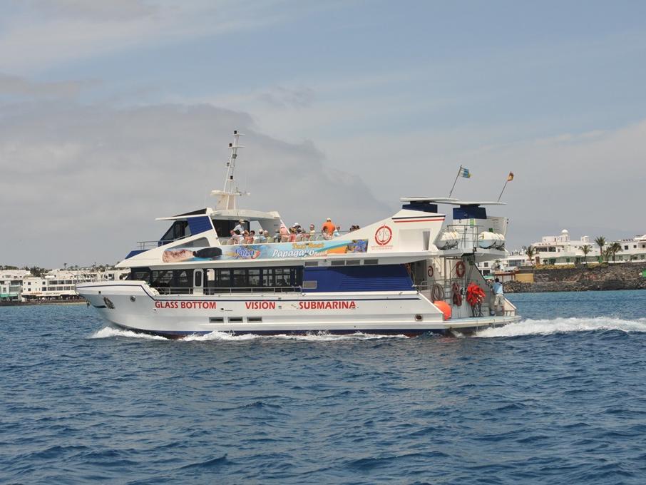 Barco con fondo de cristal Bagusona