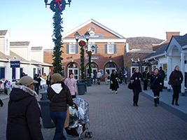 Shopping at Woodbury Common Premium Outlets Tour