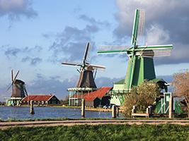 Citytour and Volendam, Marken and Windmills
