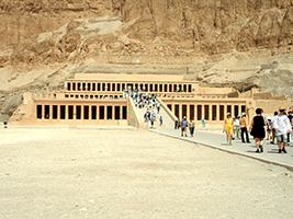 Overday trip to Luxor by bus
