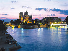 All the charms of Paris by river