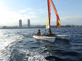 Entrada Navega En El Fórmula 1 Del Mar