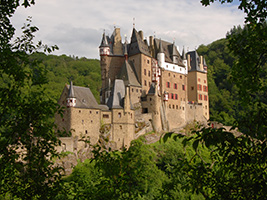 Guided Visit of Eltz Castle and Dinner