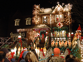 A Slice of Brooklyn Christmas Lights Tour