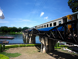Trip to the Floating Market with River Kwai visit