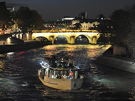 VIP Eiffel Tower Evening Tour and Seine Champagne Cruise - Skip the Line