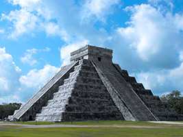 Early Access to Chichen Itza with Archeologist