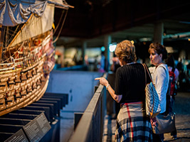Old Town and Vasa Museum Tour in German