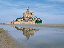 2 Days / 1 Night Tour to Mont Saint Michel and Loire Valley Castle - with transfer