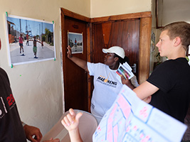 Township Art Tour Experience in Gugulethu Community