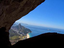 Garganta do céu hiking - pedra da gávea