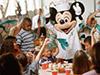 Desayuno con los personajes de Disney con traslado en limusina