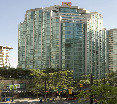 Rosedale on Robson Suites Hotel